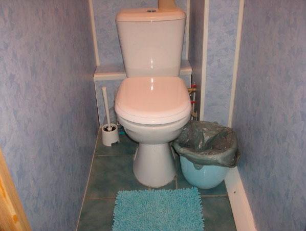 Туалет из пластиковых панелей своими руками фото