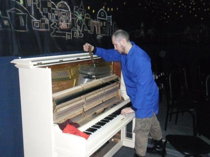 Картинки по запросу перевозка и настройка пианино