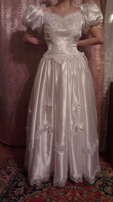4daa928a4bab2 Прокат свадебных и вечерних платьев для полных. Взять напрокат детские вещи